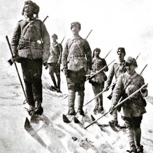 صورة لعدد من الجنود العثمانيين