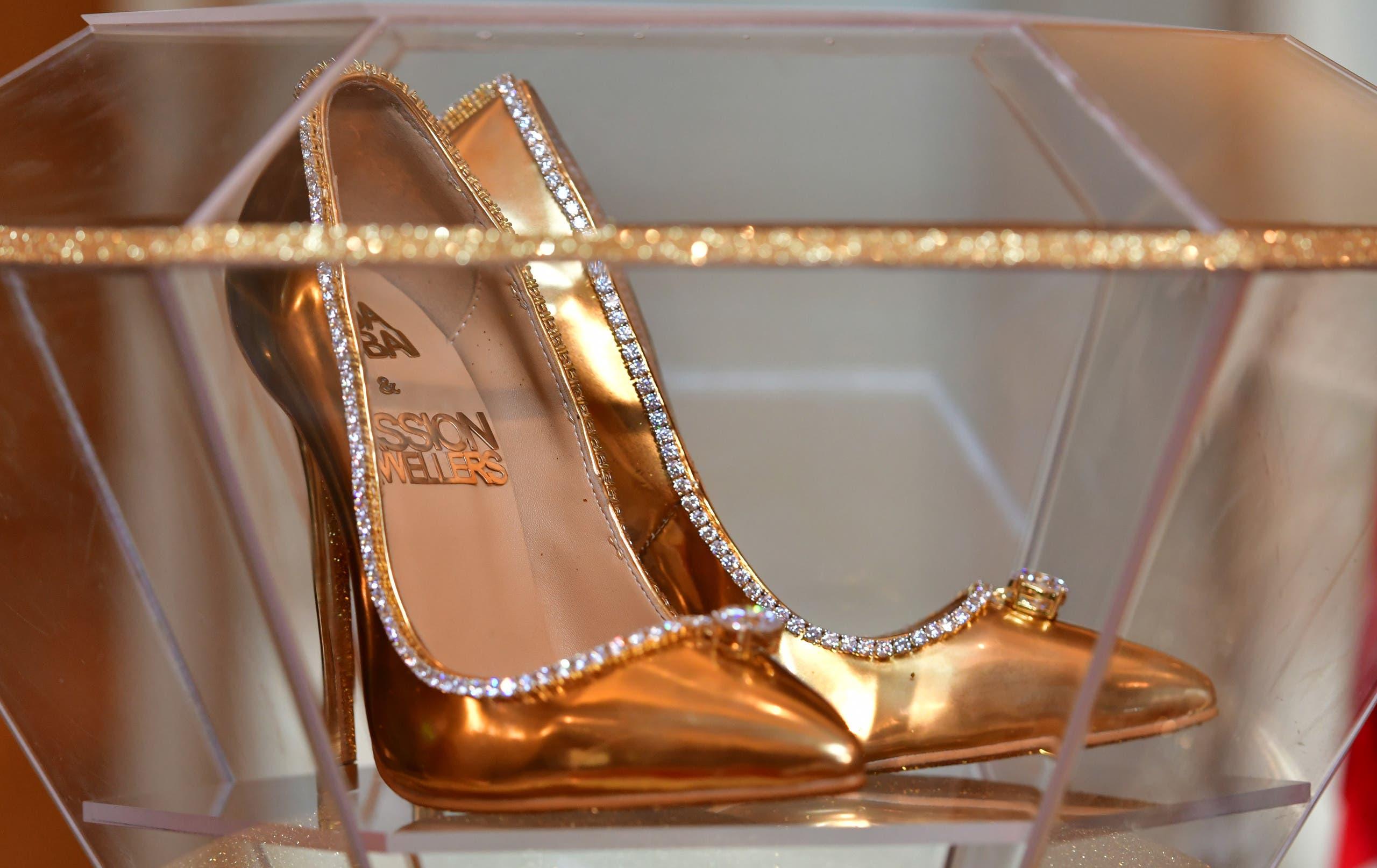 ea270402 00a7 4647 bebf 7ff94e7ee8ed أغلى حذاء في العالم ،ثمنه  17 مليون دولار ، فمن يشتري؟