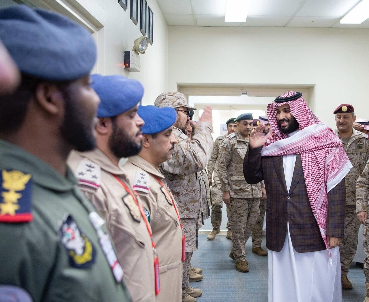 Saudi Crown Prince oversees coalition briefing on southern border operations