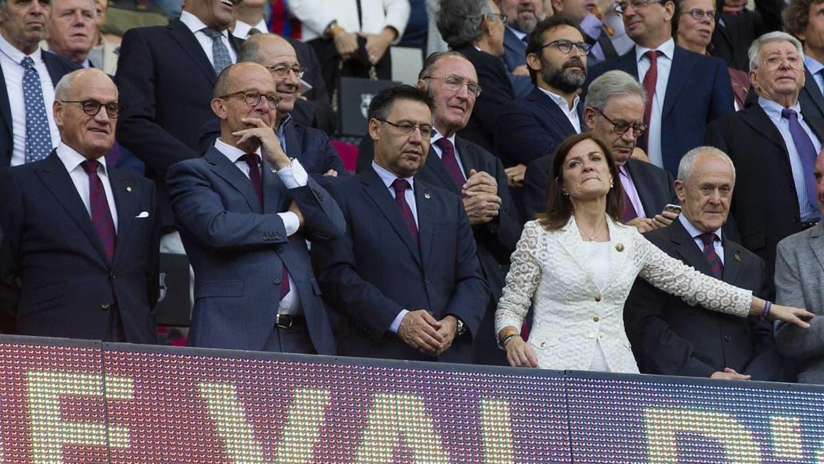 رسمياً.. نجاح حملة حجب الثقة تجاه رئيس برشلونة