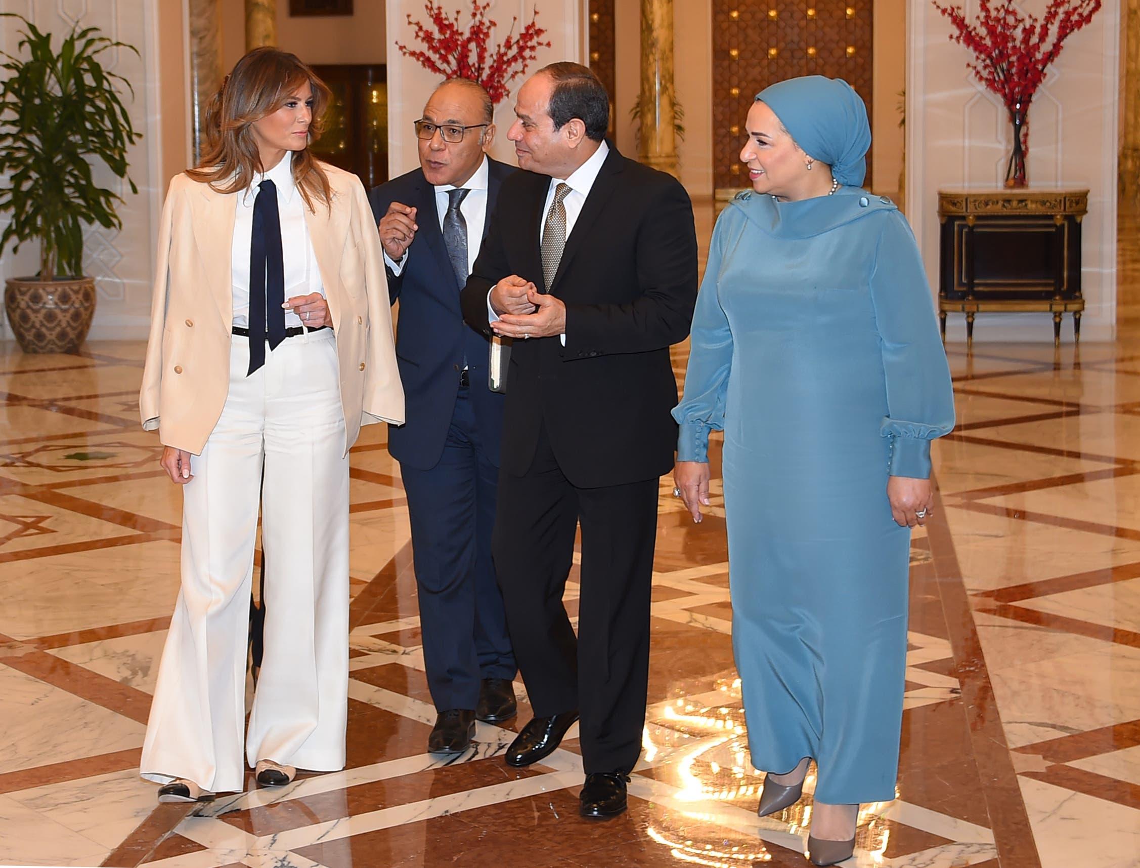 %name ميلانيا ترامب ترتدي البدلة الرجالية في مصر