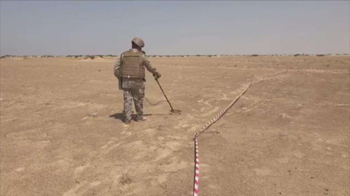 THUMBNAIL_ لماذا نزعت الفرق الهندسية السعودية 400 لغم من منطقة صحراوية في مديرية حيران بمحافظة حجة؟