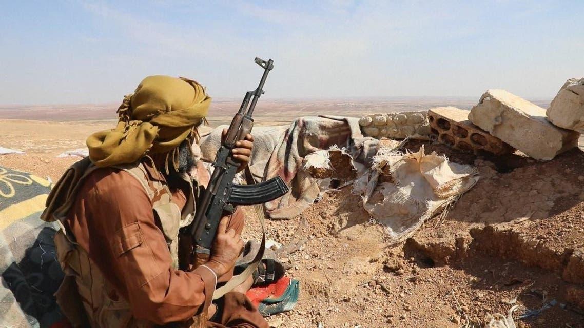 فصائل إدلب تتمسك بمواقعها بعد تسليم سلاحها الثقيل