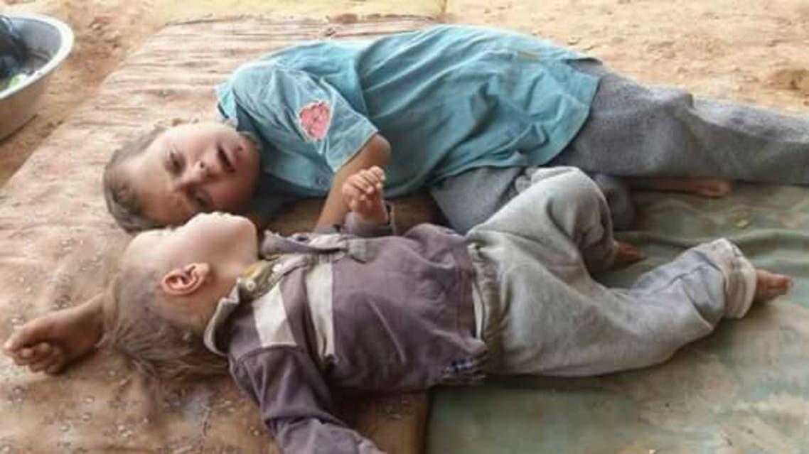 طفلان في مخيم الركبان