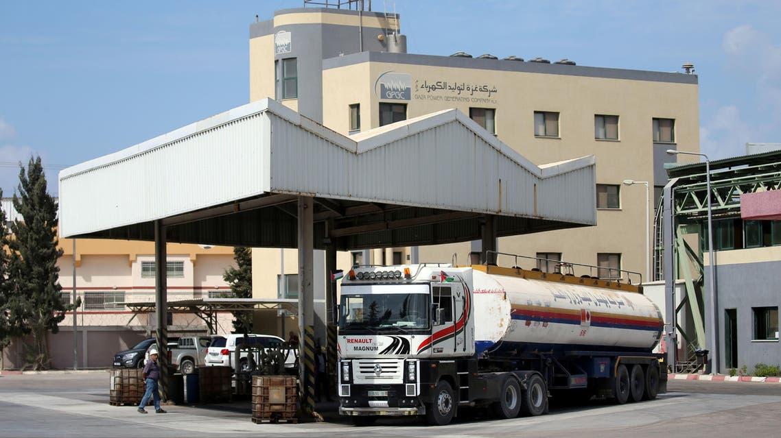 ناقلة وقود تدخل غزة