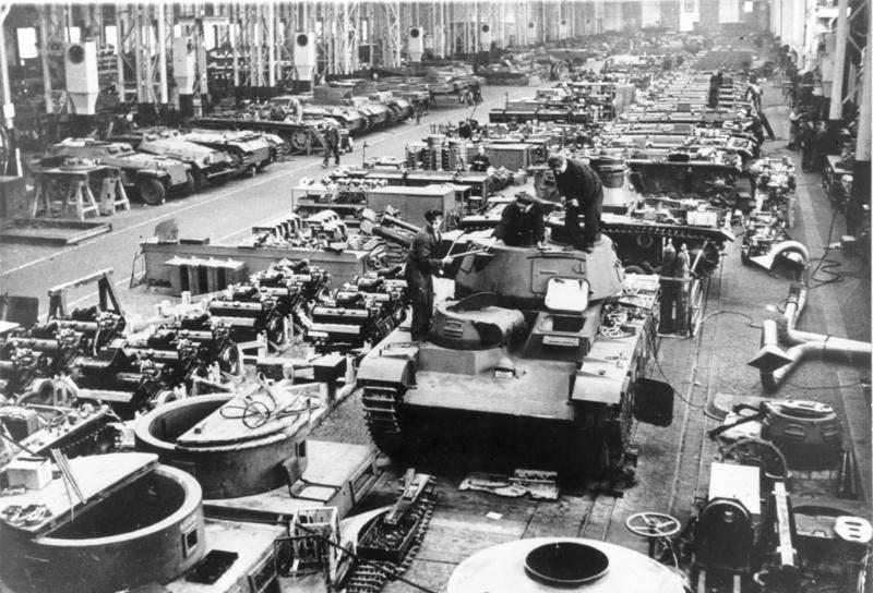صورة من داخل أحد مصانع الأسلحة الألمانية