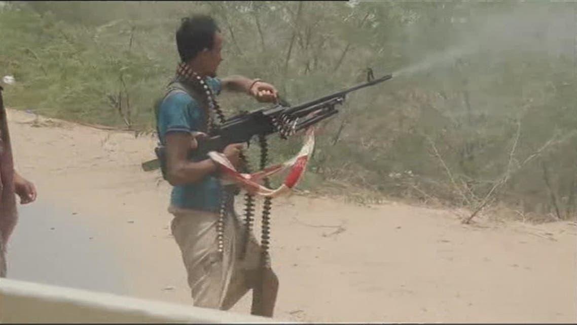 الحوثيون يعتقلون عناصرهم الفارين في الساحل الغربي