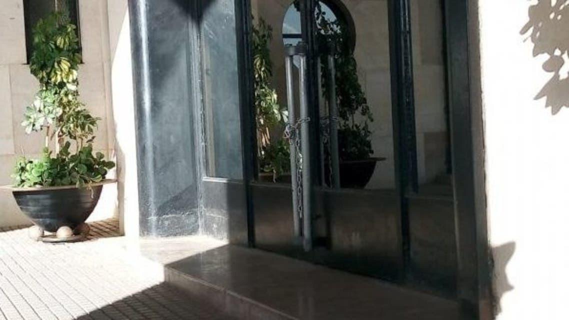 غلق البرلمان الجزائر 2