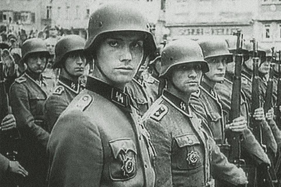 صورة لعدد من جنود الفافن أس أس
