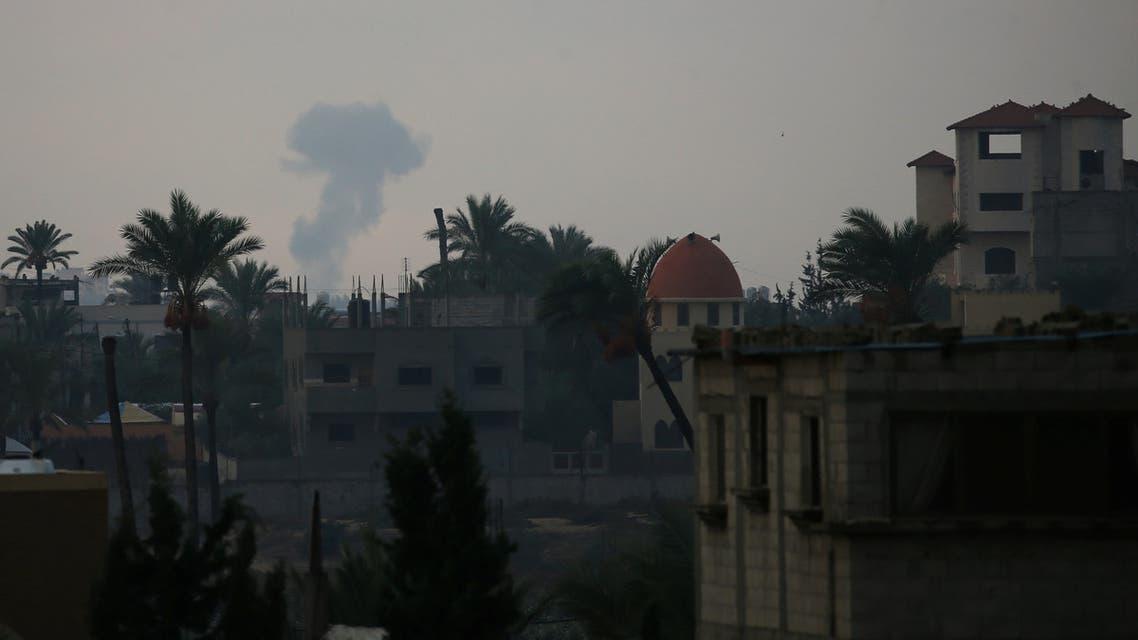 Smoke rises following an Israeli air strike in the southern Gaza Strip October 17, 2018. REUTERS/Ibraheem Abu Mustafa
