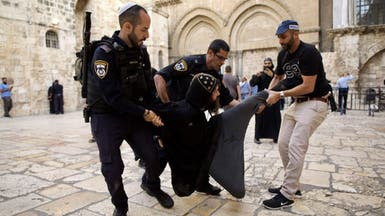 شاهد.. اعتداء إسرائيلي على راهب قبطي بالقدس