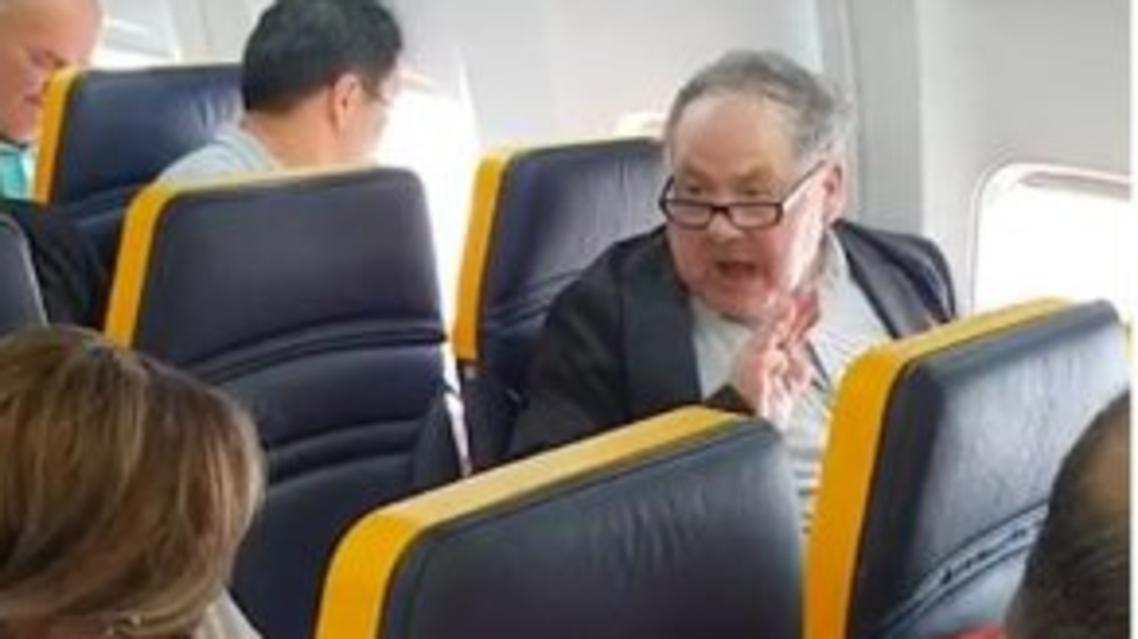 racist man on ryanair (screengrab)