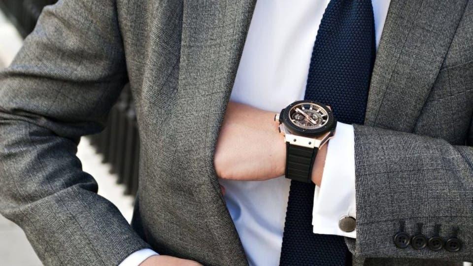 b82ca32ee703a لماذا جرت العادة على وضع الساعة في اليد اليسرى؟