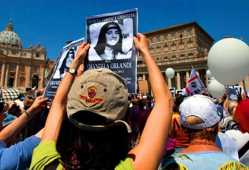 لا بمر شهر، إلا وترى أحدهم يرفع صورتها بين المحتشدين في ساحة الفاتيكان، للتذكير بها
