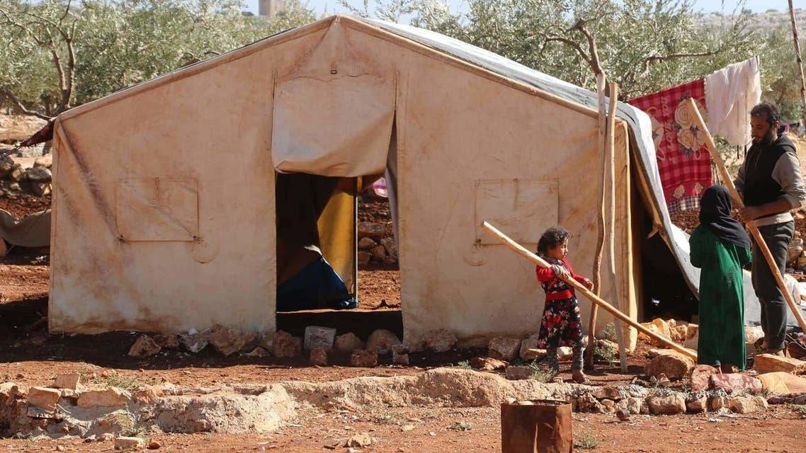 خيمة غير صالحة للسكن يقطنها نازحون