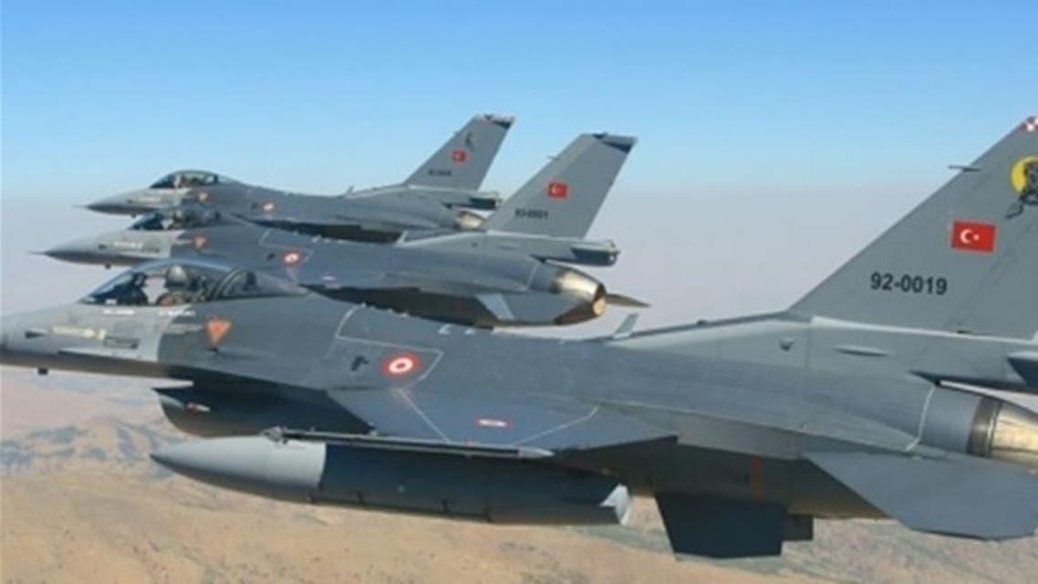 مقاتلات من الجيش التركي