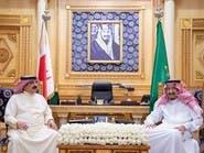 خادم الحرمين يبحث مستجدات المنطقة مع ملك البحرين