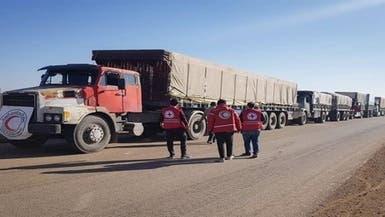 عمال إغاثة يدخلون مخيم الركبان السوري للاجئين لأول مرة