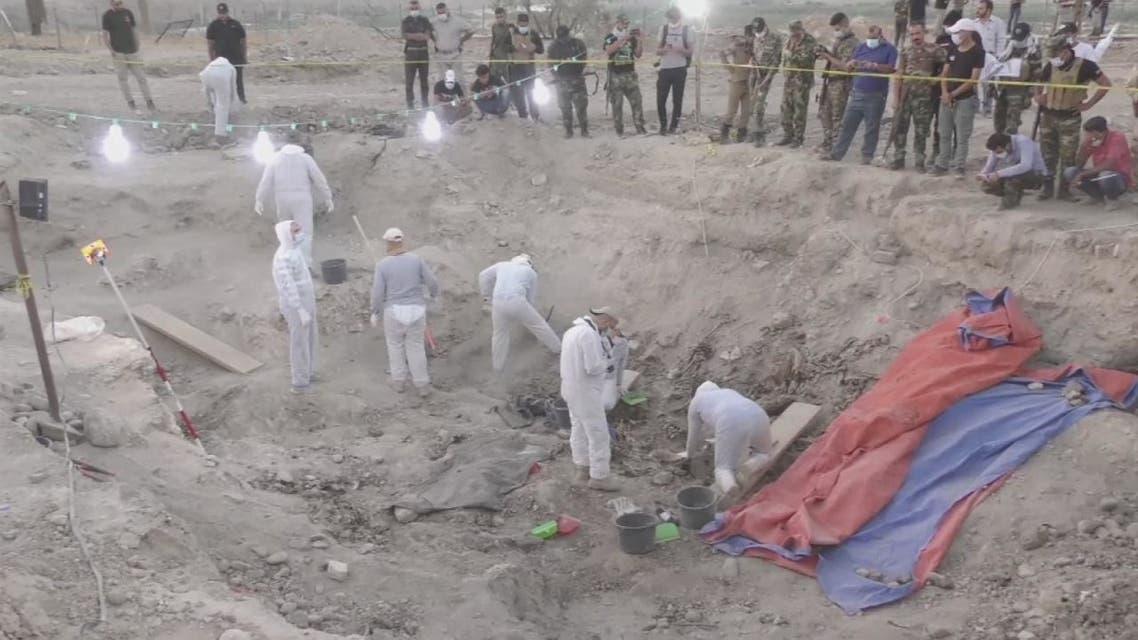 200 مقبرة جماعية في العراق