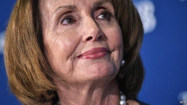 نانسی پلوسی رهبر دمکراتها در مجلس نمایندگان آمریکا