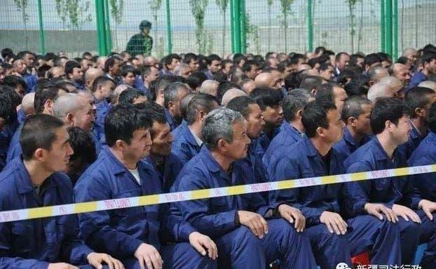 مردان ایغور در بازداشتگاههای چین
