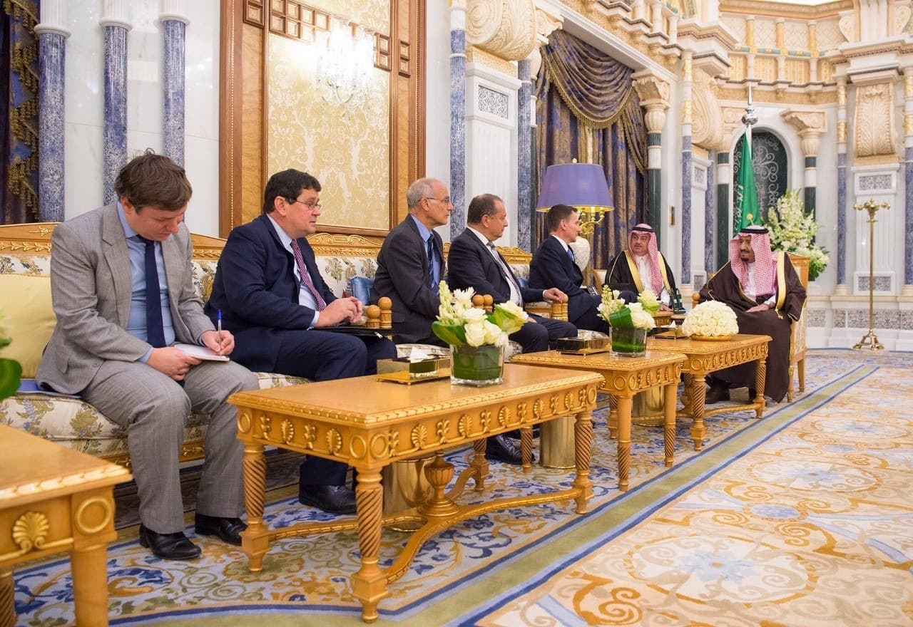 Saudi King meets with British Foreign Secretary Jeremy Hunt