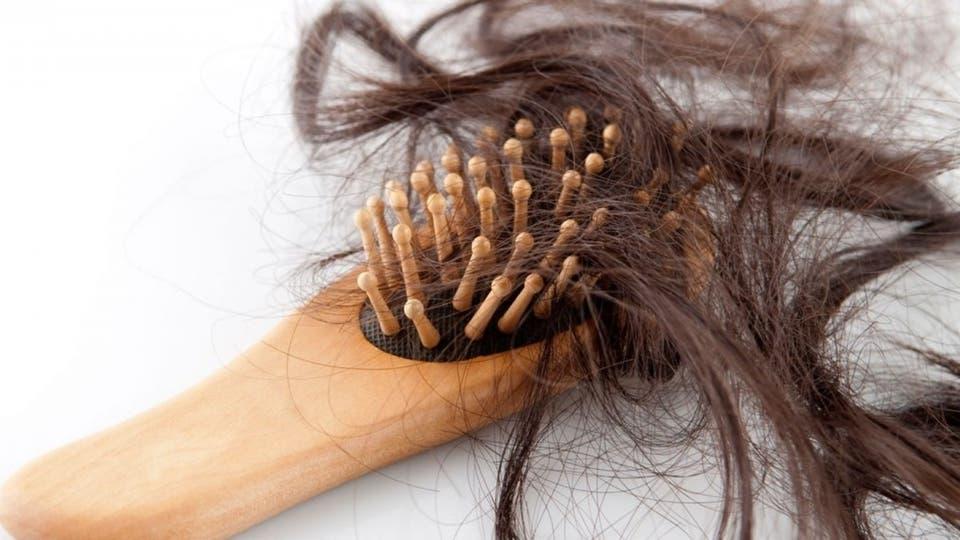 15 سبباً لتساقط الشعر بعضها سيثير دهشتك