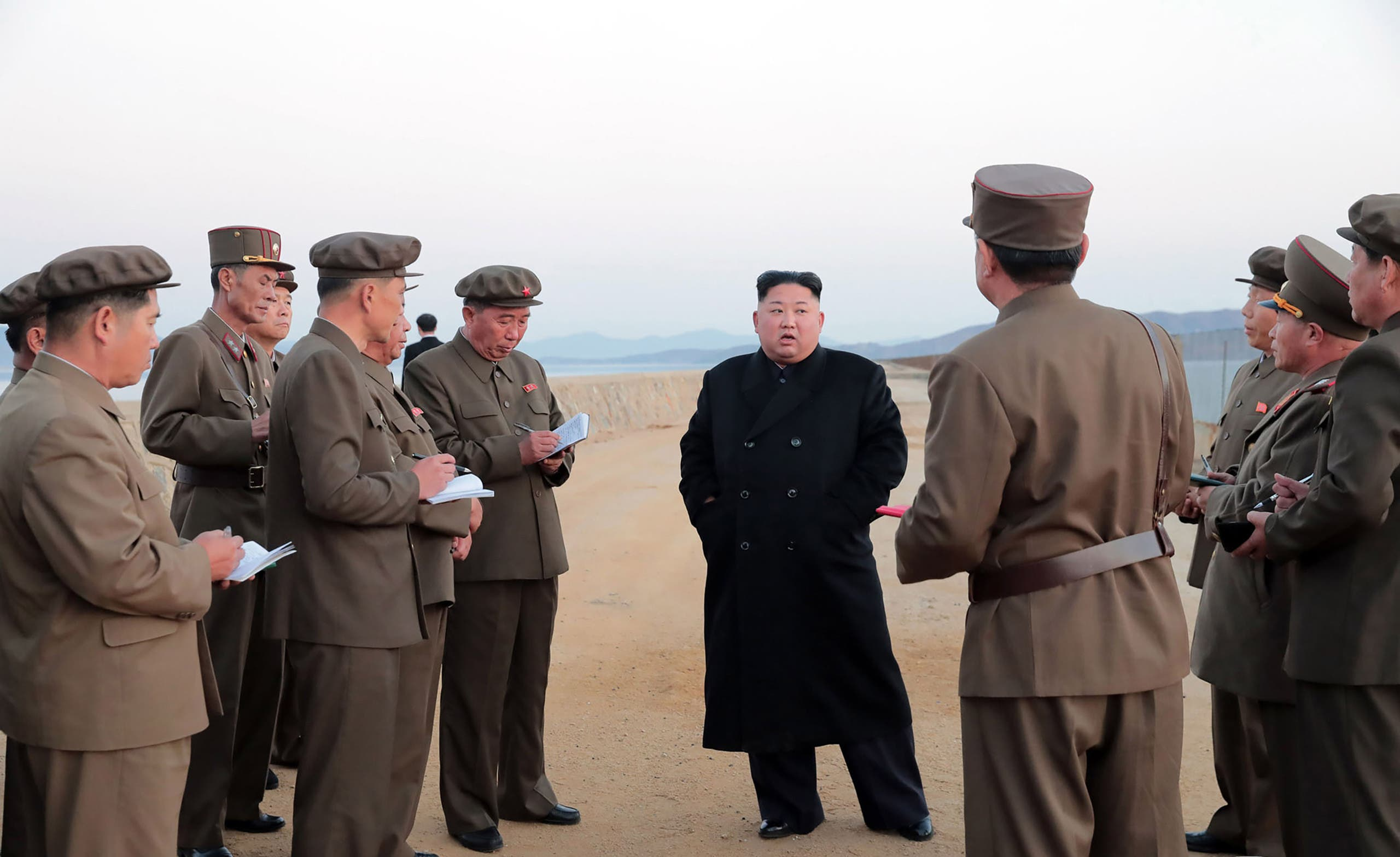 كيم با فرماندهان ارتش