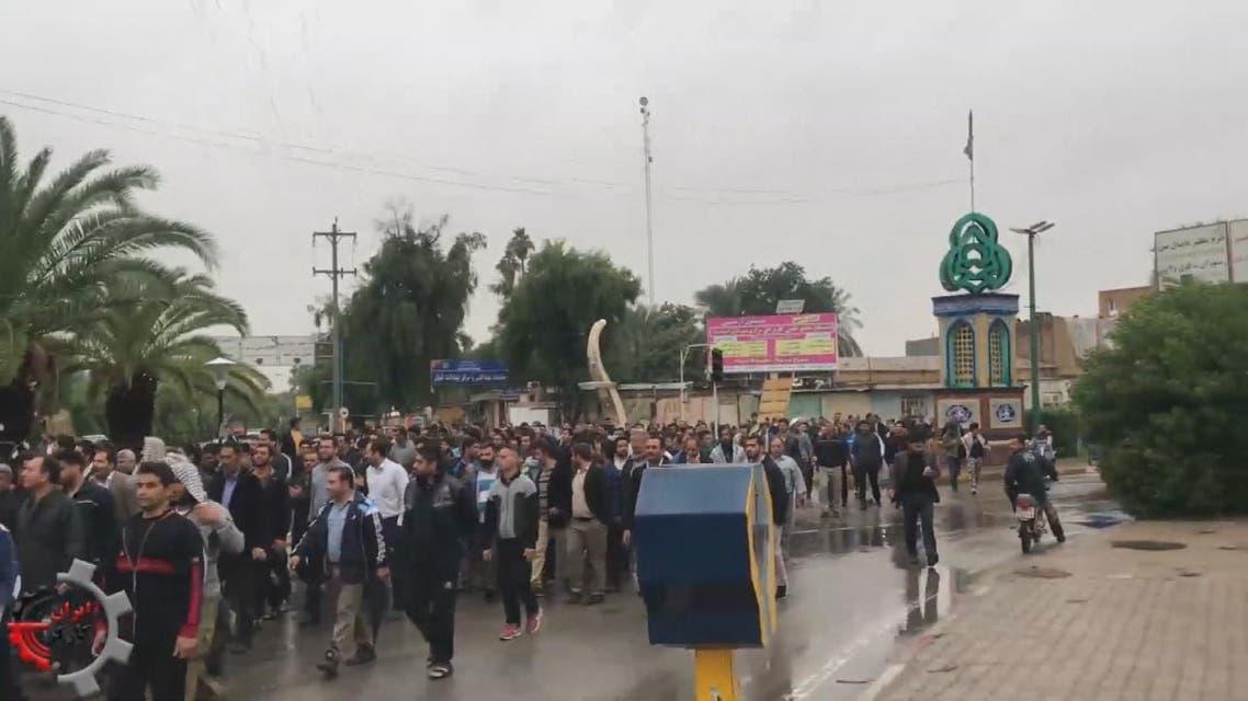 تظاهرات عمالية واسعة تشعل الأحواز