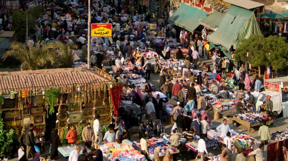 من أحد شوارع القاهرة المزدحمة