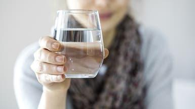 8 فوائد صحية لشرب الماء.. لكن ما الكمية المناسبة؟