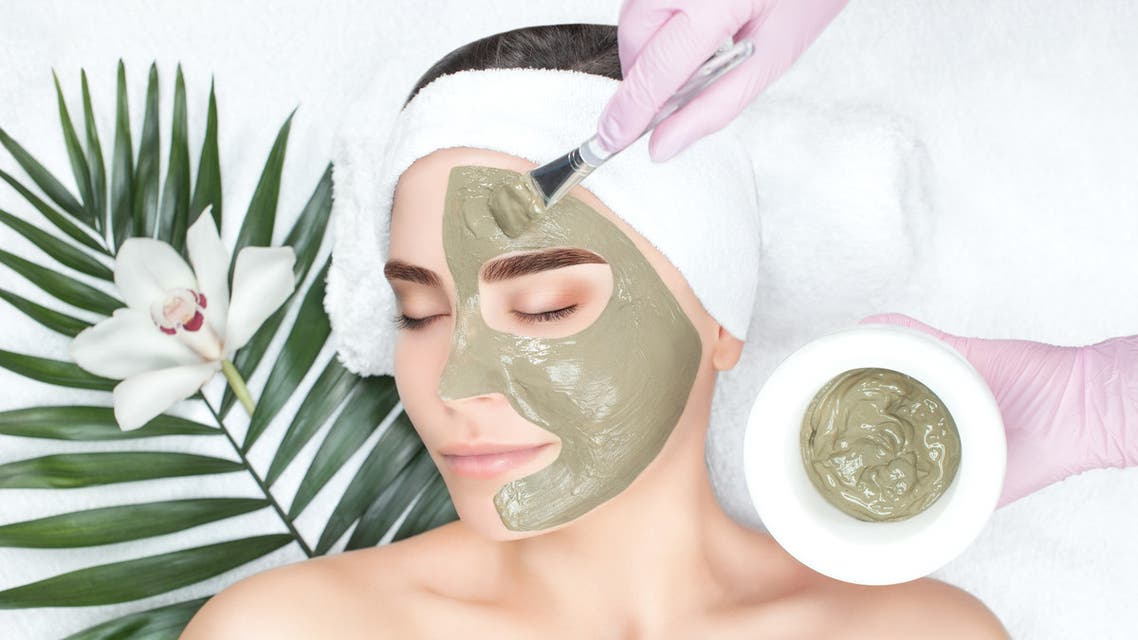 Indulging in a deep cleansing masque - Stock image