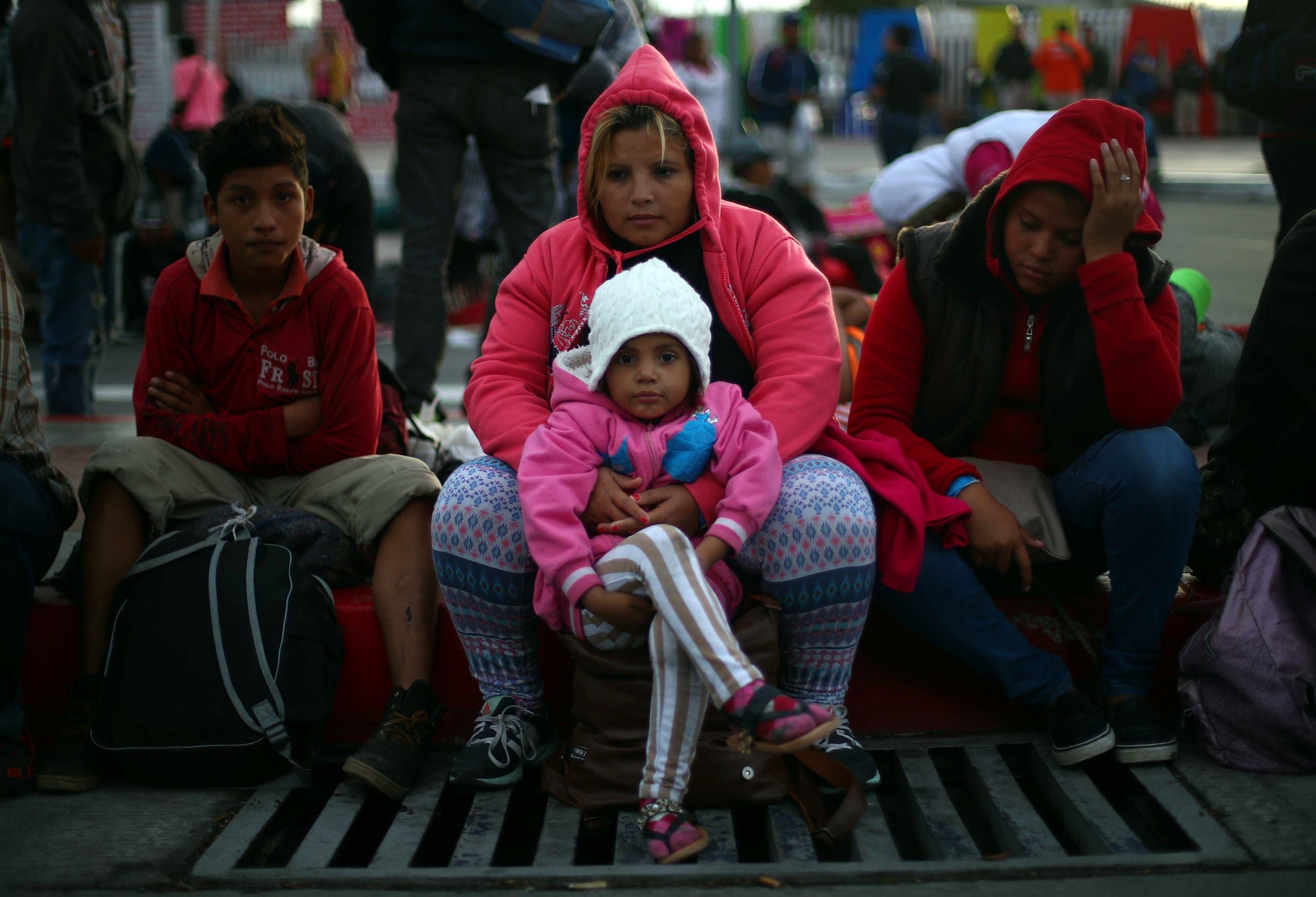 من الحدود الأميركية المكسيكية