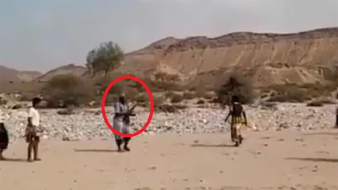 في اليمن الرشاش بديل لصافرة الحكم في مباراة كرة قدم