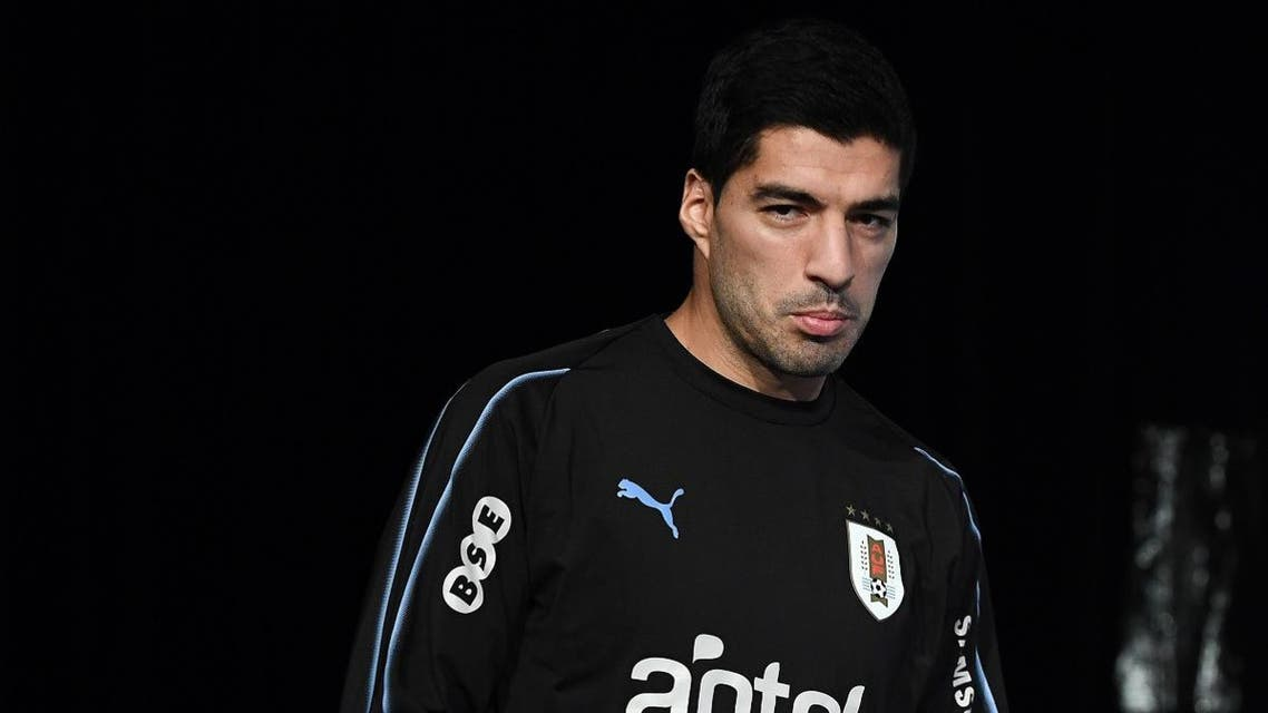 Uruguay's forward Luis Suarez arrives for a press conference at the Stade de France stadium in Saint-Denis, north of Paris, on November 19, 2018 on the eve of the friendly football match against France.  FRANCK FIFE / AFP