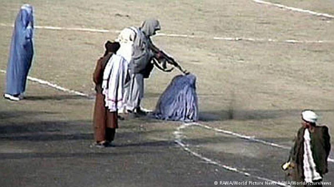 یک طالب در بدخشان افغانستان همسرش را تیرباران کرد