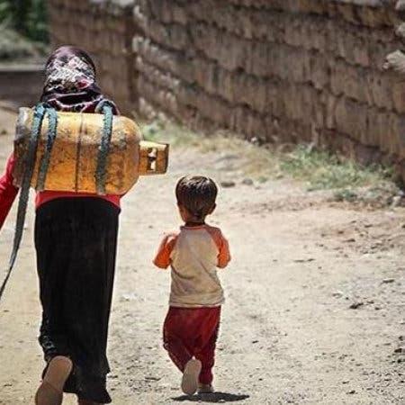 إيران المصدرة للغاز والنفط.. 40% من شعبها تحت خط الفقر