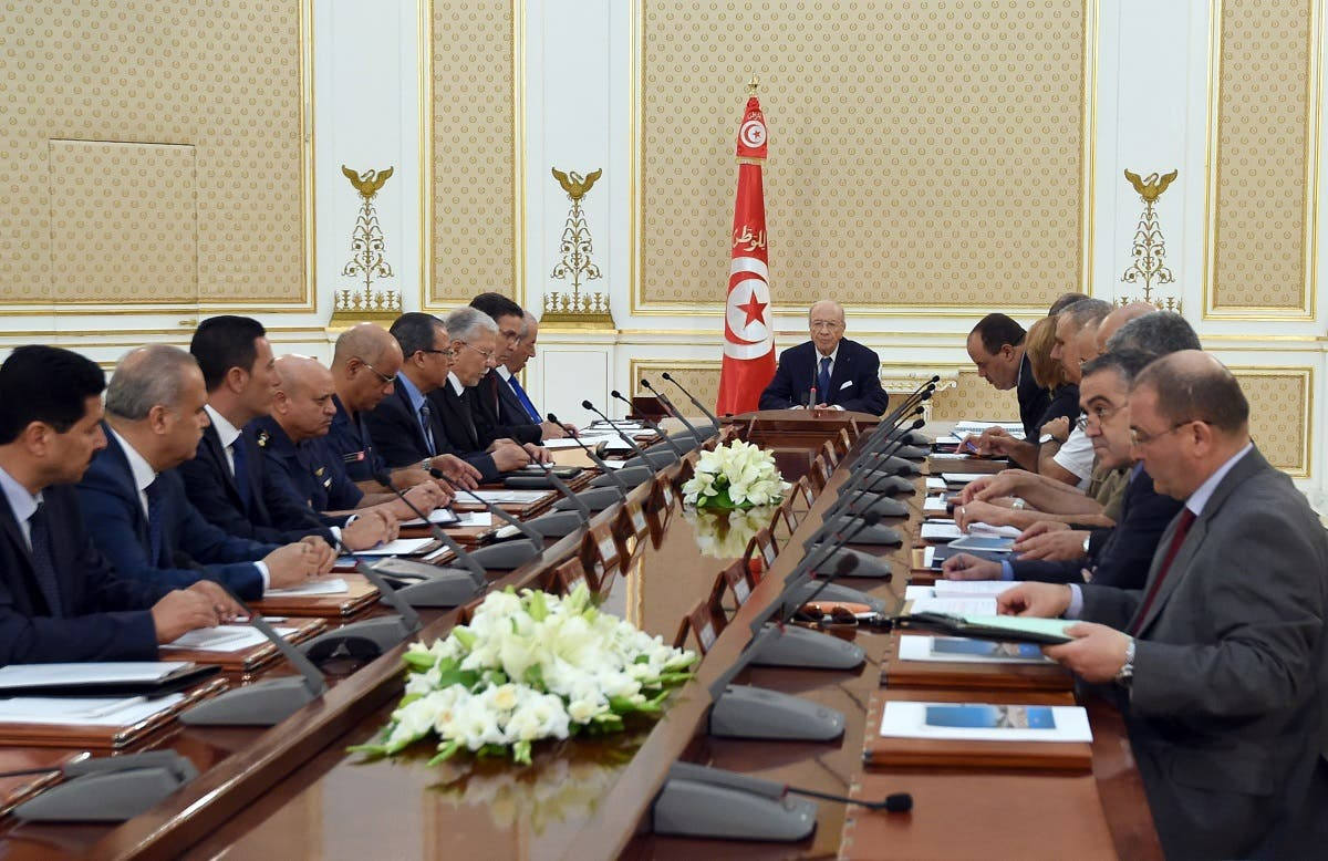 Tunisia's President Beji Caid Essebsi (C) chairs the National Security Council meeting at Carthage Palace in the capital Tunis on June 28, 2015. (AFP)
