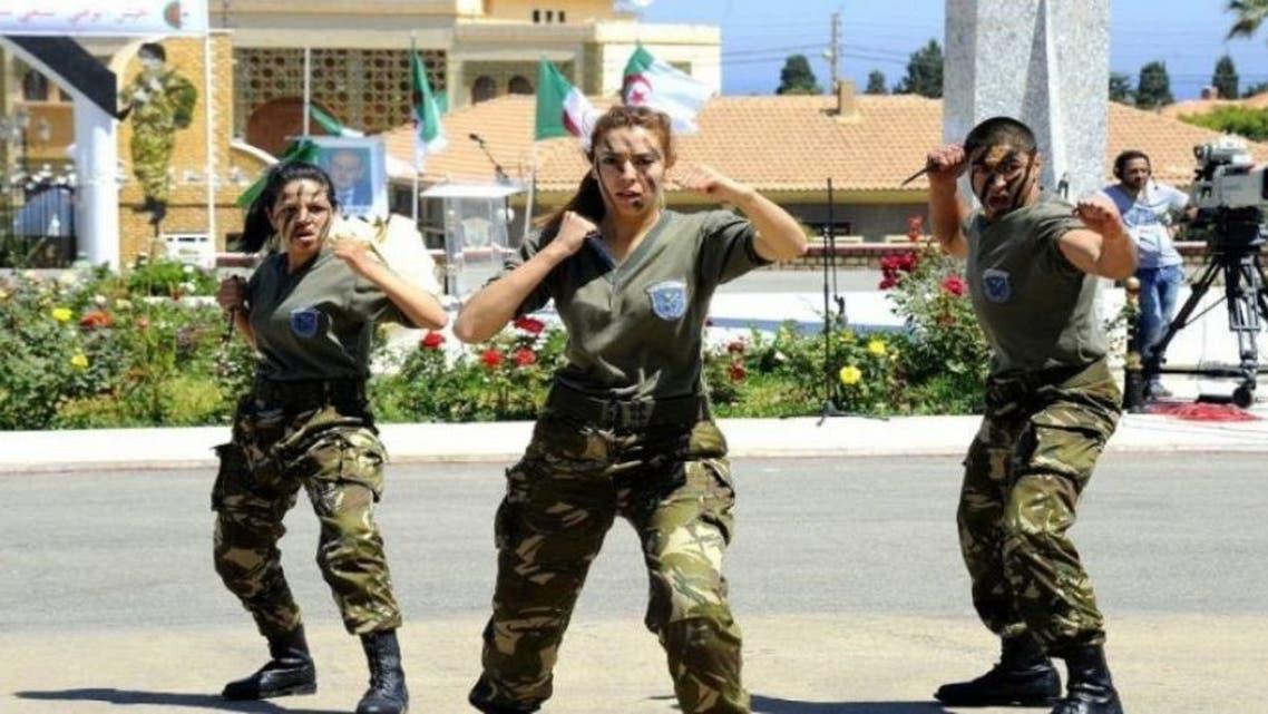 تجنيد الجزائر