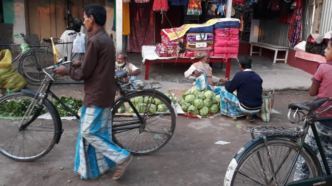 Villagers in Bihar routinely visit markets wearing lungi. (Supplied)
