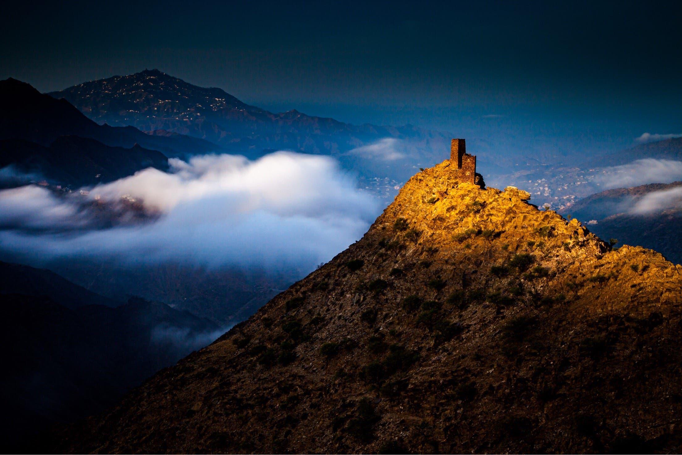 هكذا رسمت جبال عسير جمال الطبيعة الخلابة