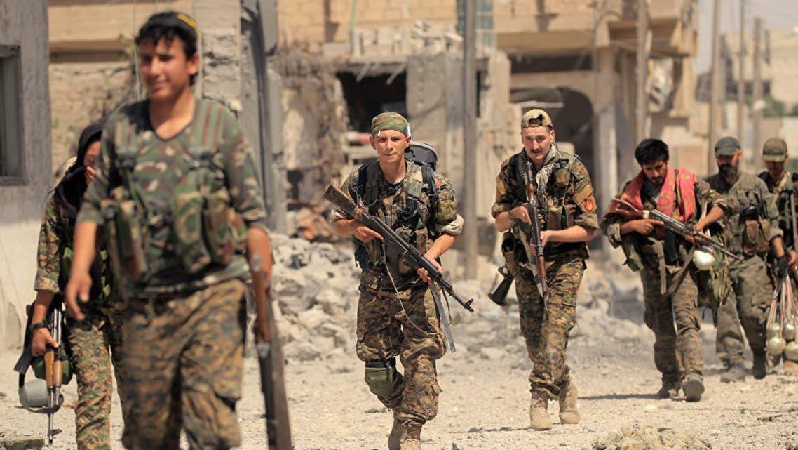 عناصر من قوات سوريا الديمقراطية