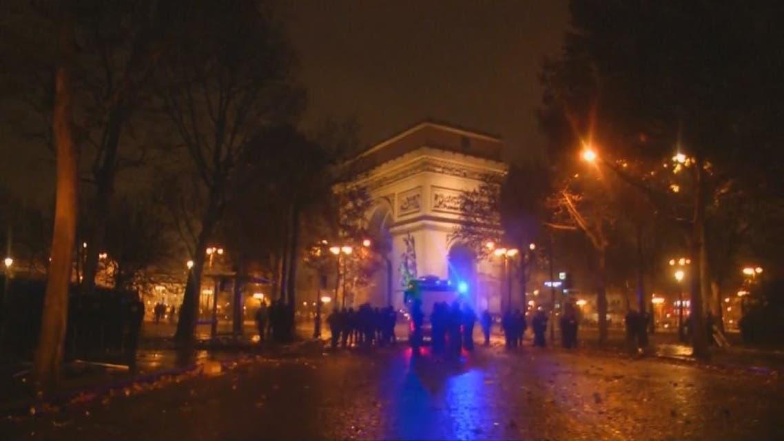 حرق ونهب في قلب #باريس