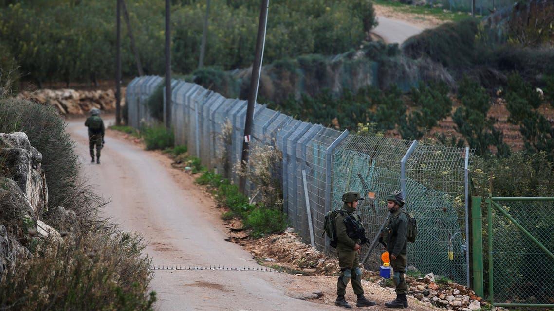 عناصر من الجيش الإسرائيلي على الحدود مع لبنان