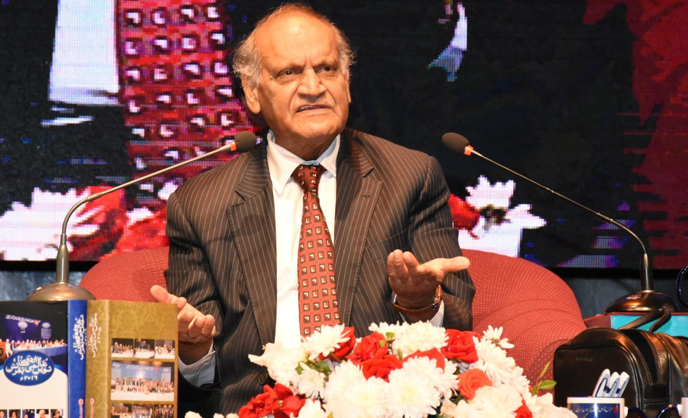 Urdu poet and satirist Anwar Masood regaled the crowd during the festival. (Supplied)