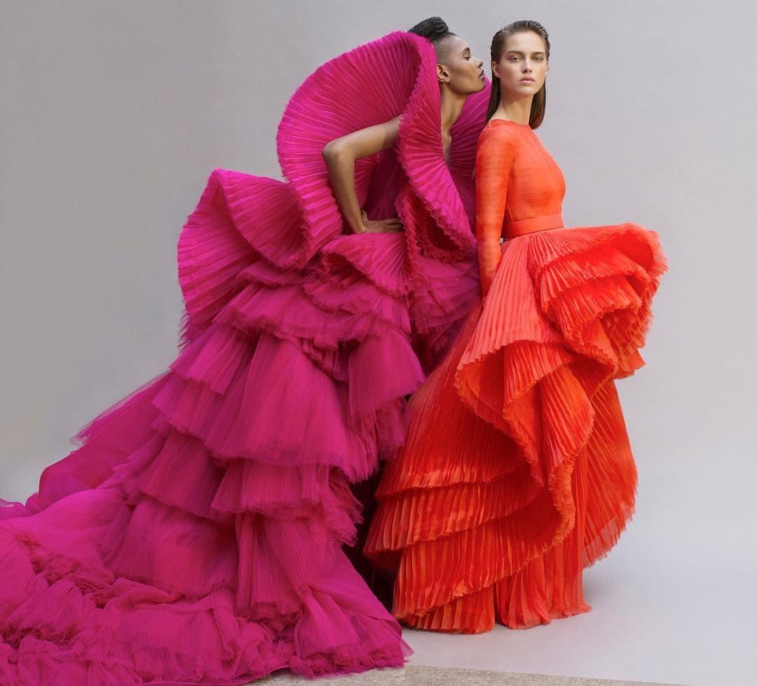 الثوب الوردي كما بدا في مجموعة آشي ستوديو