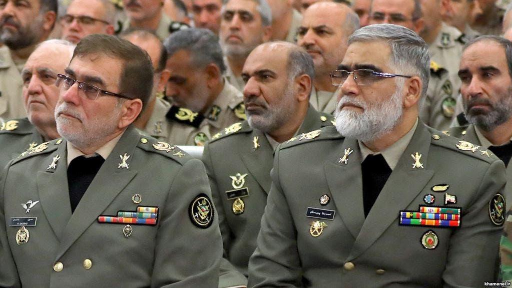 ضباط في الجيش النظامي الإيراني