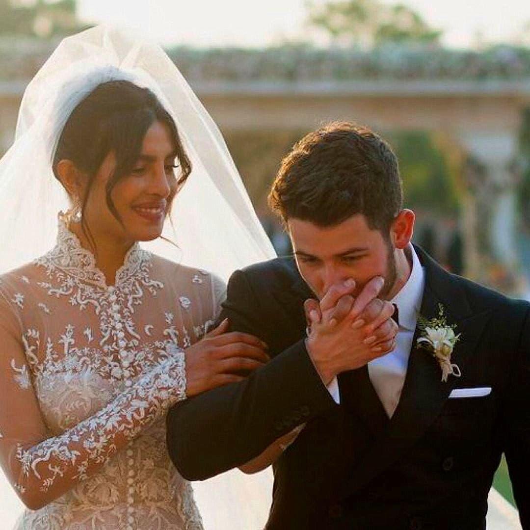 التطريز الفاخر زيّن ثوب العروس