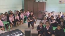 شاهد ما فعلته معلمة بمصر مع طلابها للتصدي لفوضى الغناء
