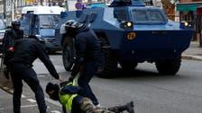 قضاء فرنسا يجيز للشرطة مواصلة استخدام الكرات الوامضة